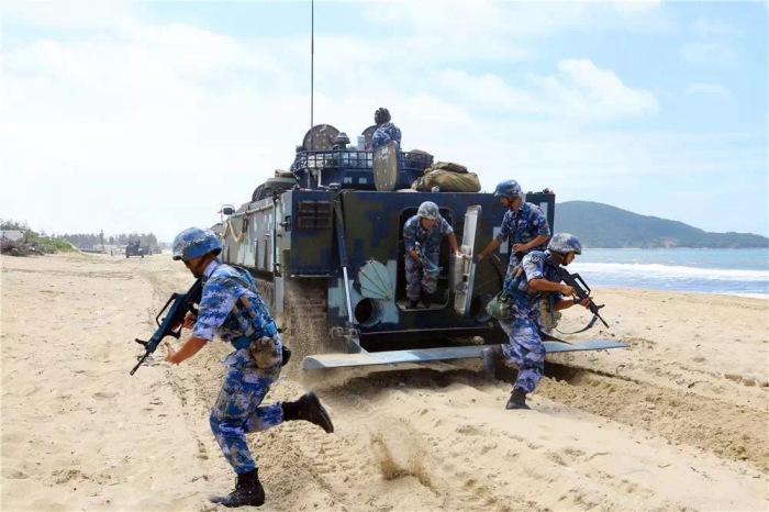 2017-08-22-Exercice-amphibie-devant-la-porte-du-Vietnam-15