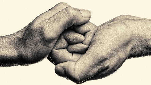 atmtightly-clasped-hands-in-monochrome-640.jpg__640x360_q85_crop_subsampling-2.jpg